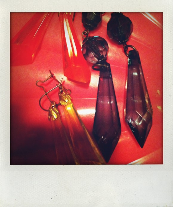 *Bijoux; Earrings/vintagedeluxe eighties plastic