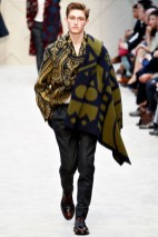 Burberry Prorsum: Is it a scarf? No, it's a plaid!