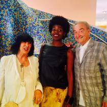 In the middle; Marga Weimans with Shoe designer Jan Jansen and his wife Tonny at the opening evening