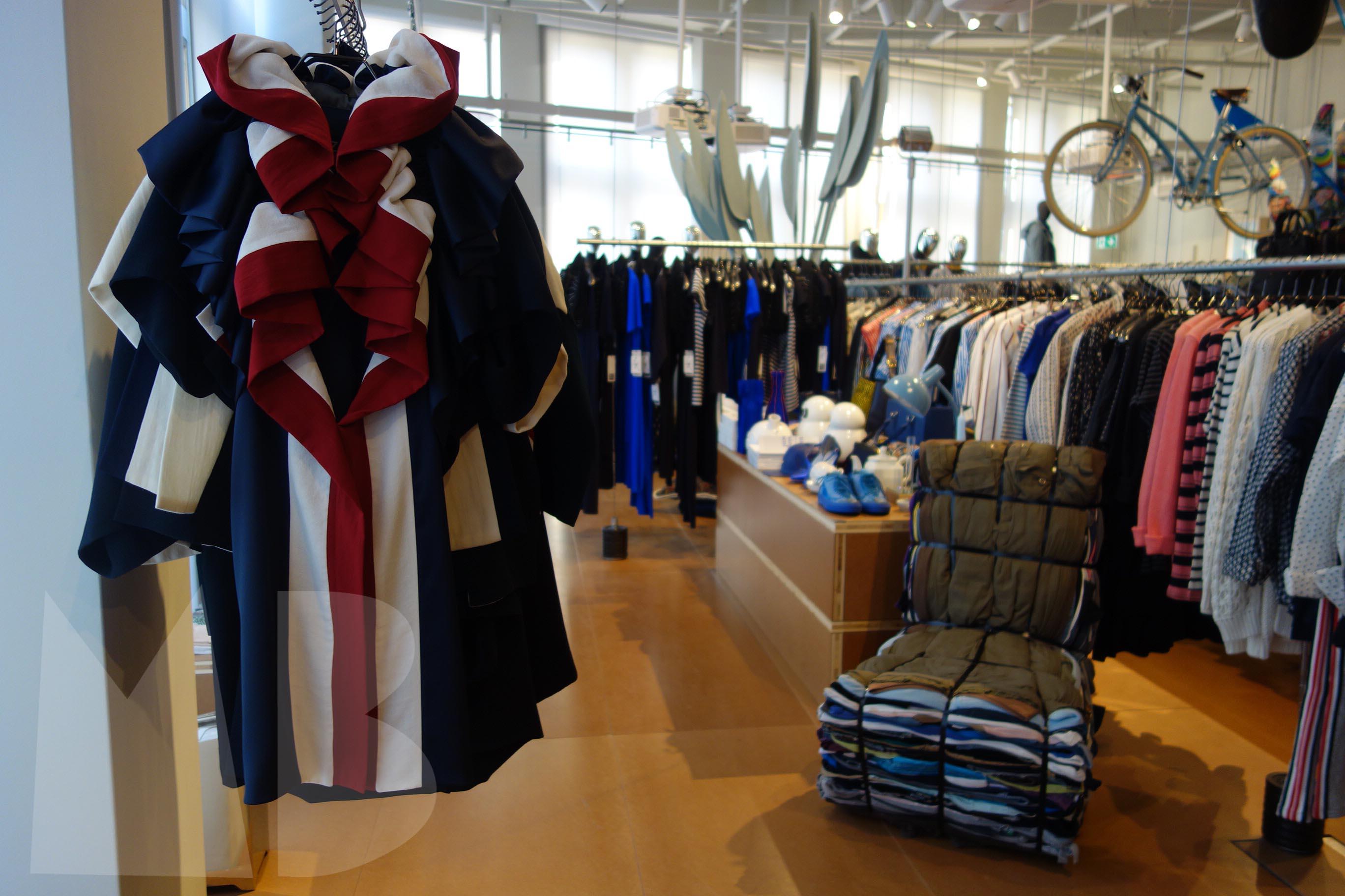 fashion; Aziz Bekkaoui. Rag chair by Tejo Remy (droog)