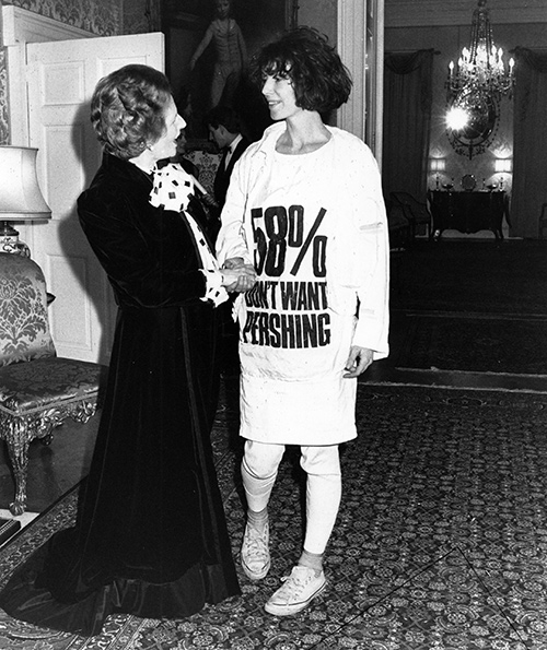 Katherine Hamnett and Margaret Thatcher in 1984. image credit: associated press)