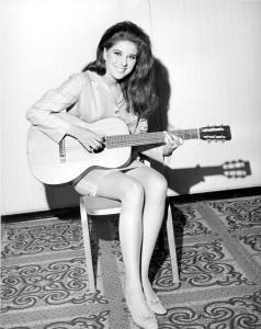 Listen to Bobbie Gentry Singing her Ode to Billie Joe