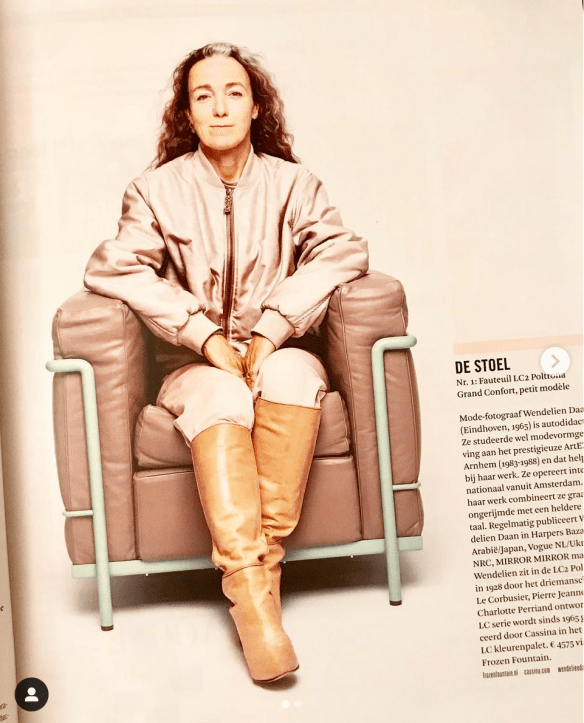 Wendelien Daan in a LC chair woth magazine 12