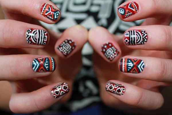 Маникюр с орнаментом: этнический, египетский, цветочный, фото