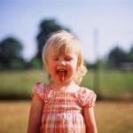 子供が嘔吐しても熱がなければ大丈夫!?嘔吐の原因と対処法