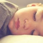 【子供の寝相が悪いのは実は良いこと!?】寝相が悪い2つの原因