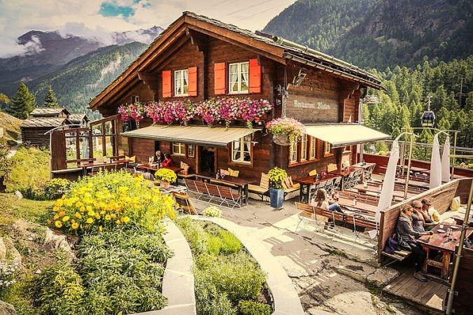 csm_bergrestaurant_blatten_zermatt_taugwalder_wallis_schnyder_werbung_kueche_restaurant_kochen_essen_21_271f2098db