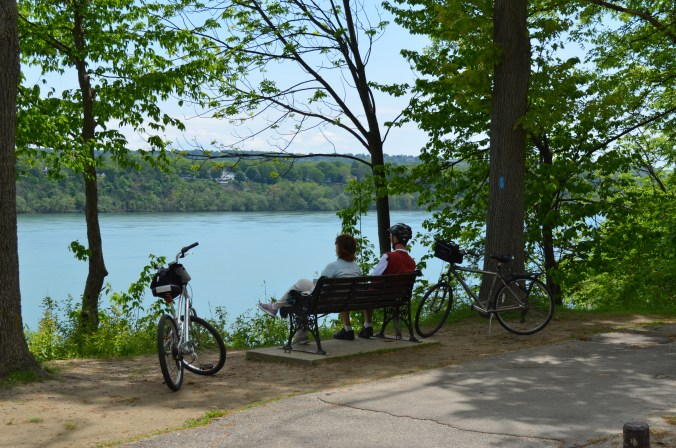 Cyclists - Niagara River Recreational Trail