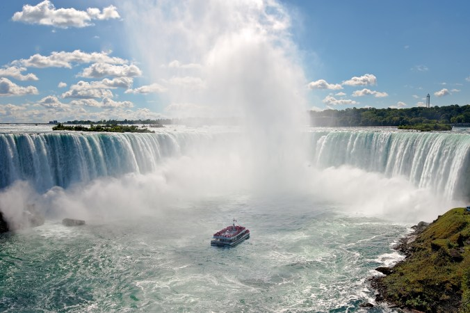 Hornblower Niagara Cruises Visual Assets X Public X 2017 Signature Images X Web Ready 02