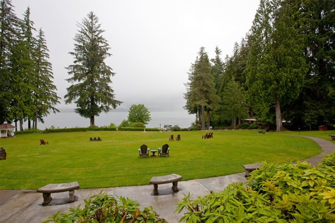 lake-quinault-lakeside_exterior-view_2_1000x667