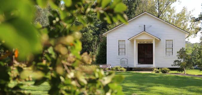 A-Look-Around-the-Elvis-Presley-Birthplace-Photo-and-Video-Gallery