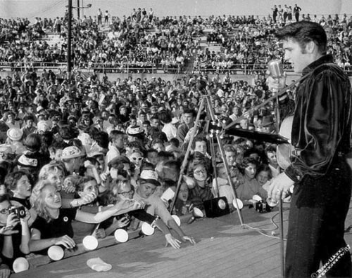Elvis-performs-a-concert-in-Tupelo-in-1956-and-1957
