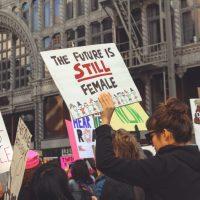 ¿Por qué creo que es importante educar a mis hijas en el feminismo?