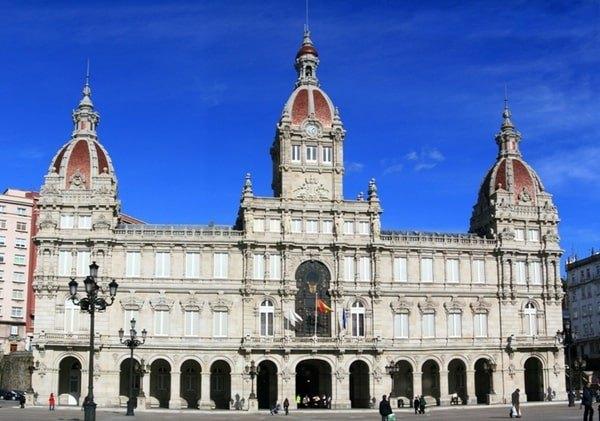 A Coruna Ayuntamiento nordic walking min - Nordic Walking por La Coruña