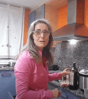 cocinando min 1 - Cómo preparar croquetas cetogénicas