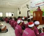 Ustadz Zahwan, Perwakilan IMTIAZ Melaka saat memberikan sambutannya di Ponpes A-Fatah Lampung. Photo By : Hadis MINA