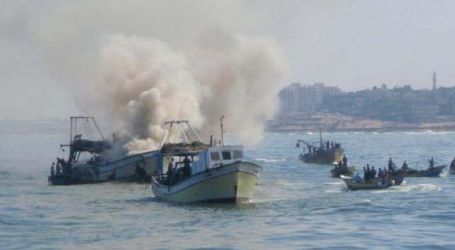 ISRAEL KURANGI JARAK BERLAYAR NELAYAN GAZA MENJADI 4 MIL