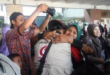KEPULANGAN TIM MER-C SISAKAN EMPAT RELAWAN DI JALUR GAZA