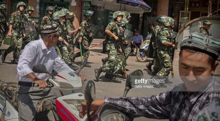 Pemerintah China Tutup Dua Situs di Wilayah Muslim Uighur
