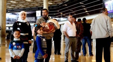 Keluarga Suriah Pertama Terbang ke AS Untuk Tinggal