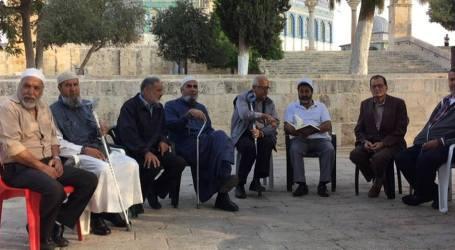 Israel Deportasi Empat Warga Al-Quds dari Al-Aqsha