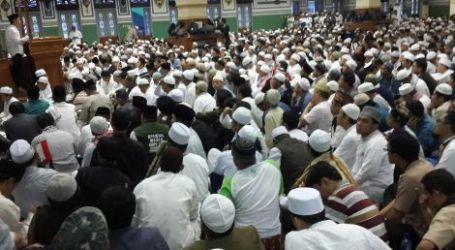 Ribuan Umat Islam Hadiri Shalat Subuh Berjamaah di Masjid Agung Al Azhar