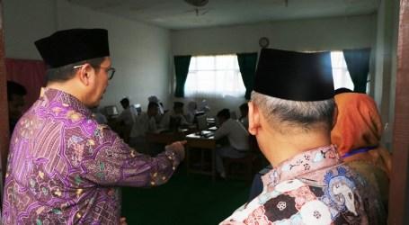 Hari Pertama, Menag Tinjau Ujian Nasional Madrasah Aliyah di Banjarmasin