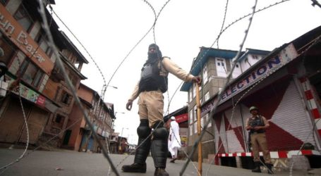 Polisi Larang Salat Jumat di Beberapa Masjid Jami Kashmir