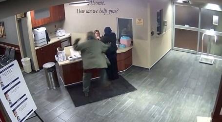 Sedang Berobat, Muslimah Diserang Tiba-tiba di AS