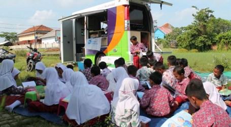 Mobil Prestasi Muamalat Kunjungi Sekolah Terdampak Tsunami Selat Sunda