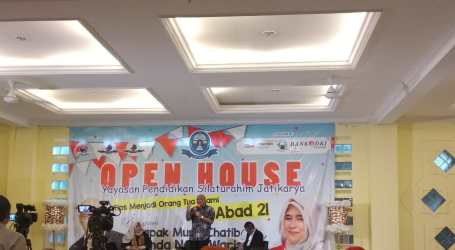 Munif Chatib: Akhlak Pintu Pembuka untuk Cerdas