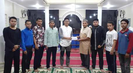 YMPI Padang Pariaman Bagikan Bantuan untuk Jamaah I'tikaf