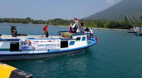 Kapal Ramadhan ACT Lampung Bagi Sembako di Tiga Pulau