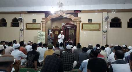 Datangkan Syaikh Palestina, Muslim Kupang Beri Infak Gaza