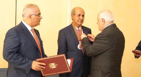 Presiden Palestina Anugerahkan Bintang Jasa untuk Dubes RI Hasan Kleib