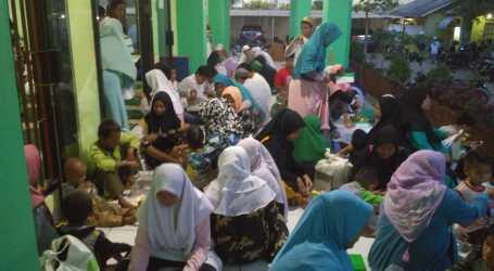 Anak-Anak Yatim Pesisir Pantai Jakarta Dapat Santunan