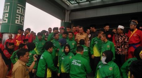 Gubernur Syamsuar Lepas Kontingen Tapak Suci Riau ke Kejuaraan Dunia Pencak Silat