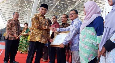 Penghargaan Kemendikbud untuk DD Atas Program Pendidikan Literasi