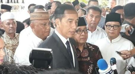 Presiden Jokowi Ta'ziyah ke Rumah Duka BJ Habibie