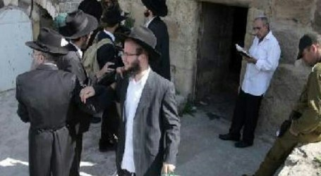 Sejumlah Pemukim Yahudi Gelar Ritual Talmud di Al-Aqsa