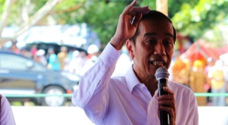 Presiden Jokowi Berikan Bantuan Terdampak Gempa Ambon Secara Langsung