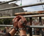 """Israel """"Melembagakan"""" Penyiksaan Tahanan Palestina (Oleh: Ben White, penulis MEE)"""