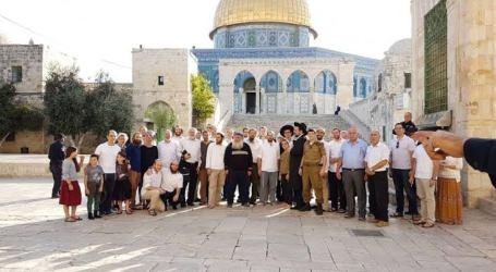 Ratusan Pemukim Yahudi Serbu Al-Aqsha dengan Perlindungan Polisi Israel