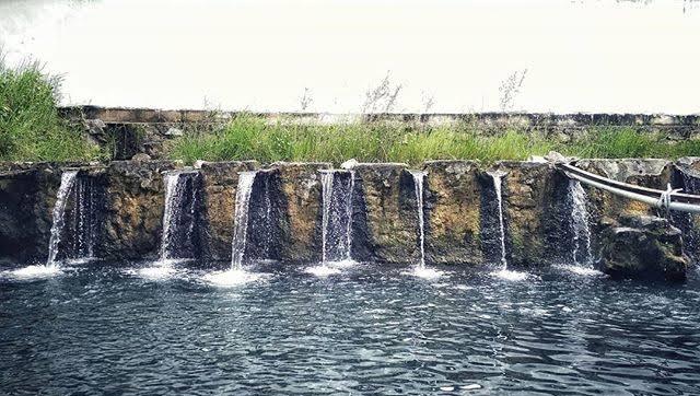 Pemandian air panas di sumbar