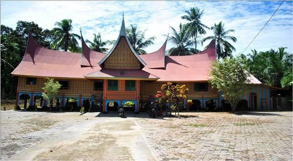 Gambar Rumah Gadang Rajo Sungai Dareh