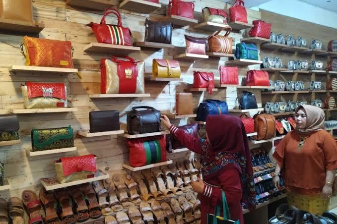 Wisata belanja Minang kayo