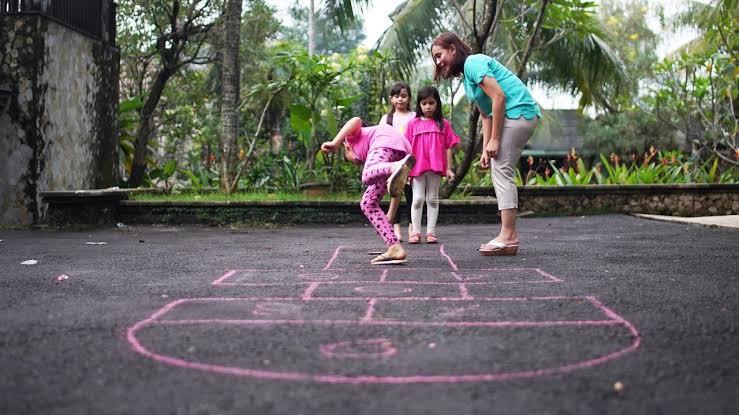 Permainan legendaris Indonesia