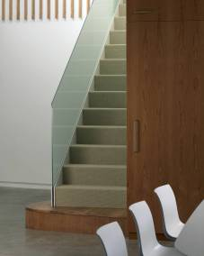 V-OldOak-023-Stair-Detail