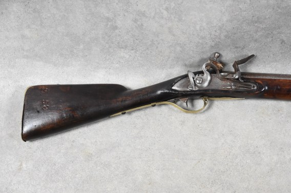 Svensk flintlås musköt modell 1762 - Vapnets nummer - Regementets/soldatens märkning inristat på kolven