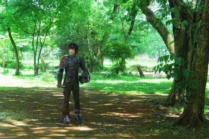 hiccup_cosplay_how_to_train_your_dragon_2_by_liui_aquino-d7q2be7